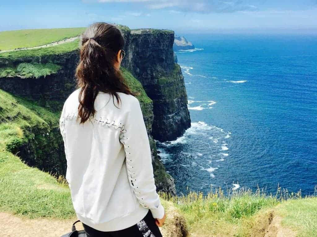 traveling alone, things to do once you arrive